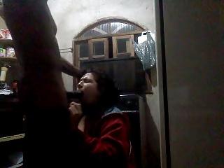 chupa mamadeira preta - interracial blowjob amateur milf