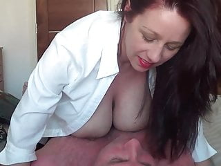 Big tits british wife gobbledygook resist at the crack morning wood (Pov)