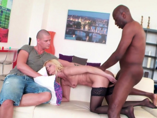 Mature Wife Scarlet Mika Fucks Black Guy