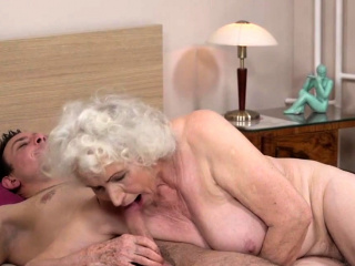 Gray haired grandma de luxe hard cock