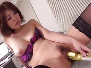 Asian dam is making her juicy pussy cum hard...
