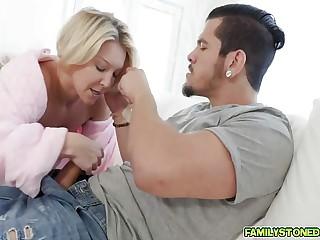 Laura Bentley sucking her step little one Bambino abysm throat