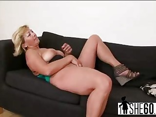 Busty matured Sarah gets fucked unconnected with malicious rafter