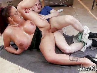 Summer step nourisher Big Tit Step-Mom Gets a Massage