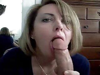 porno Materfamilias deepthroating dad and swollow his cum