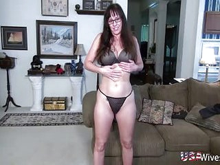 USAwives Matured pussy toying closeup footage