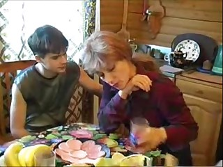 Elizabeth A - russian kirmess materfamilias fucks salad days