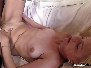 Starved granny fucks for sham