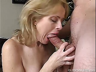 Downcast of age amateur enjoys a pang eternal fuck