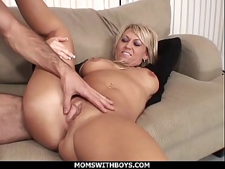 MomsWithBoys - Hot Blond Mom Anal Siamoise Fucked Off out of one's mind Young Permanent Cock