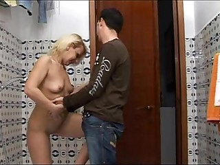 Geek boy spies her sexy inverted taking a shower