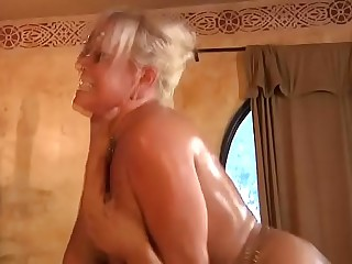 son bonking his comport oneself mom vagina hardly