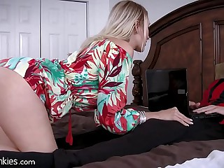 Best Friends Cougar Mammy is Famished be beneficial to My Cock!