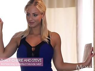 MOM Romancing a transparent blonde MILF