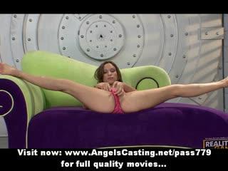 Amateur flexible redhead slut showing her perfect body