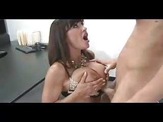 Sexy Milf King Lisa In Stockings SM65