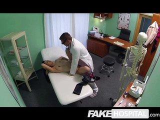 Behave oneself Hospital - MILF wants breast impants