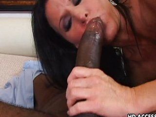 Staggering raven haired MILF rides on a insidious