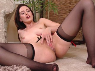 Squirting milf has multifaceted orgasms